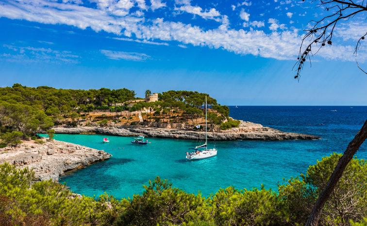 Sailing holidays Balearics